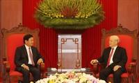 Memperkuat hubungan besar dan solidaritas istimewa serta kerjasama komprehensif antara Vietnam-Laos dalam situasi baru