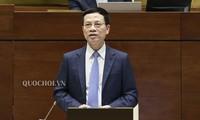 Membangun E-Government untuk melakukan reformasi administrasi bagi rakyat dan badan usaha