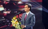Deputi PM Vu Duc Dam: Setiap Guru Perlu Sekaligus Mempunyai Pengetahuan dan Hati Perasaan