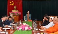 Kepala Departemen Penggerakan Massa Rakyat KS PKV, Truong Thi Mai Melakukan Pertemuan dengan Para Anggota MN Yaitu Para Pemuka Agama