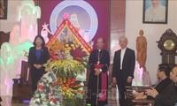 Hari Natal 2019: Wapres Dang Thi Ngoc Thinh Mengunjungi dan Mengucapkan Selamat kepada Para Pemuka dan Umat Katolik di Kota Thanh Hoa