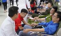 """Festival Hari Minggu Merah – """"Menyumbangkan Darah untuk Menyelamatkan Manusia – Nasib Anda dan Saya"""""""