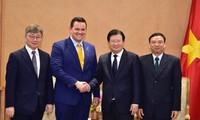 Kelompok para investor AS-Republik Korea menaruh perhatian pada pengembangan proyek perlistrikan tenaga gas LNG di Vietnam