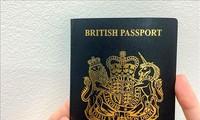 Ingris resmi mengubah warna paspor setelah Brexit