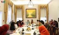 Vietnam memimpin rantai kegiatan-kegiatan temu pergaulan Asosiasi Perempuan ASEAN di Washington DC