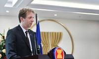 Uni Eropa mengkhawatirkan tindakan-tindakan sepihak di Laut Timur
