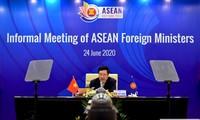 Vietnam melakukan kerjasama secara erat dengan para anggota ASEAN untuk mendorong target-target bersama