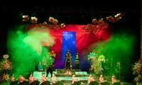"""Pertunjukan lakon opera Cai Luong yang khas dengan tema: """"Kisah Cinta Khau Vai"""""""