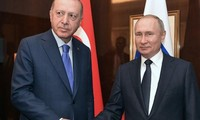Presiden Rusia dan Turki membahas bentrokan-bentrokan di Libya dan Suriah