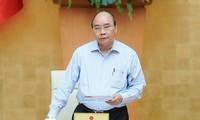 PM Nguyen Xuan Phuc memimpin sidang Badan Harian Pemerintah tentang pencegahan dan penanggulangan COVID-19