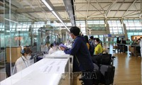 Secara resmi mengadakan kembali penerbangan komersial dari Republik Korea ke Vietnam