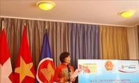 Badan Perwakilan Diplomatik Vietnam di Jeneva Bertemu dengan Perantau Vietnam Sehubungan dengan Peringatan Ultah ke-75 Hari Nasional Vietnam