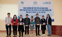 UN Women Memberikan Bantuan Hampir 1,4 Miliar VND Bagi 600 Keluarga Miskin di Provinsi Lao Cai
