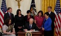 Presiden AS Tandatangani Pemberlakuan Undang-Undang Kejahatan Kebencian Orang Asia