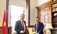 Sekretaris Negara Kemenlu Inggris Gembira Dengan Kemajuan dalam Hubungan Vietnam-Inggris