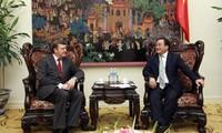Vizepremierminister Hoang Trung Hai empfängt weißrussischen Vizeaußenminister