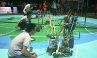 Finalrunde des Roboter-Wettbewerbs Vietnam 2013