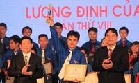 Verleihung des Luong Dinh Cua Preises an 300 ausgezeichnete junge Bauern