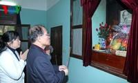 Parlamentspräsident Nguyen Sinh Hung besucht Gedenkstätte des Präsidenten Ho Chi Minh