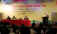 Parlamentspräsident Nguyen Sinh Hung trifft Investoren