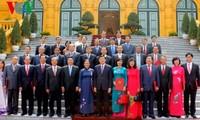 Staatspräsident Truong Tan Sang überreicht Ernennungsentscheidung der Botschafter und Generalkonsuln