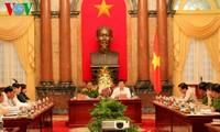 Staatspräsident Truong Tan Sang trifft Vertreter des Polizeiministeriums
