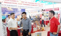 Eröffnung der Industrie- und Handelsmesse 2015 in Da Nang
