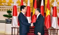 Premierminister Nguyen Tan Dung trifft Präsidenten des japanischen Senats