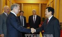 Staatspräsident Truong Tan Sang trifft Gouverneur der russischen Provinz Kaluga in Hanoi