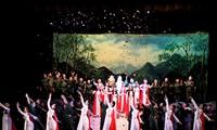 """Oper """"Rote Blätter"""" - eine harmonische Kombination zwischen klassischer und folkloristischer Musik"""