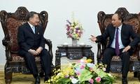 Premierminister Nguyen Xuan Phuc trifft Vorsitzender des thailändischen TCC-Konzerns