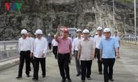 KPV-Generalsekretär Nguyen Phu Trong besucht das Wasserkraftwerk Lai Chau und die Provinz Dien Bien