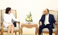 Premierminister Nguyen Xuan Phuc empfängt die kubanische Botschafterin in Vietnam