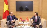 Vize-Parlamentspräsident Phung Quoc Hien empfängt Delegation des Königreichs Marokko