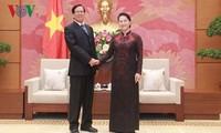 Parlamentspräsidentin Nguyen Thi Kim Ngan empfängt Vize-Parlamentspräsidenten Myanmars