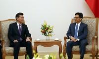 Vize-Premierminister Vu Duc Dam empfängt Vorsitzenden des Internationalen Schachverbands