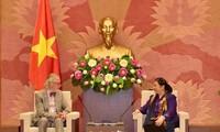 Vize-Parlamentspräsidentin Tong Thi Phong empfängt den ehemaligen IPU-Generalsekretär