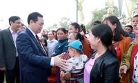 Vize-Premierminister Vuong Dinh Hue nimmt am Festtag der Solidarität in Nghe An teil
