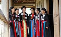 Einzigartigkeit der traditionellen Trachten der Frauen der Cao Lan in Bac Giang
