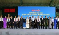 Vize-Premierminister Truong Hoa Binh nimmt am Treffen der Revolutionäre in Ho Chi Minh Stadt teil