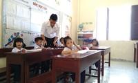 Lehrer auf der Sinh Ton-Insel