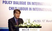 Dialog über Politik bezüglich der Kinderarbeiter
