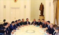 Premierminister Nguyen Xuan Phuc trifft Russlands Präsident