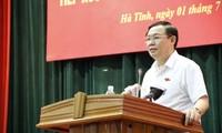 Vize-Premierminister Vuong Dinh Hue trifft Wähler in Ha Tinh