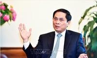 Vize-Außenminister Bui Thanh Son: Vietnam leistet einen praktischen Beitrag zur Lösung der globalen Fragen
