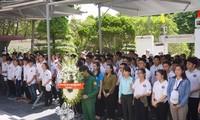 Die im Ausland lebenden Jugendlichen gedenken der gefallenen Soldaten