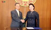 Parlamentspräsidentin Nguyen Thi Kim Ngan trifft Präsidenten des Unterhauses und des Senats Thailands