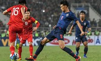 Vietnams Fußballnationalmannschaft kämpft gegen Thailand beim ersten Spiel der Qualifikationsrunde der WM 2022