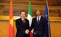 Vize-Parlamentspräsident Phung Quoc Hien führt Gespräche mit Leitern des italienischen Unterhauses