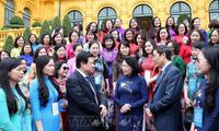 Vize-Staatspräsidentin Dang Thi Ngoc Thinh trifft Leiterinnen und Wissenschaftlerinnen im Bildungsbereich